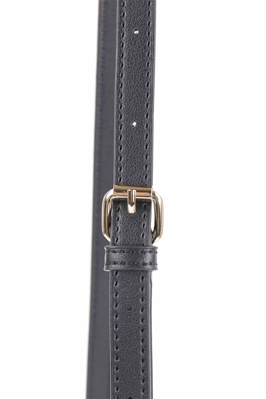 meliebiancoのDesi(Black)/海外ファッション好きにオススメのインポートバッグとかばん、MelieBianco(メリービアンコ)のバッグやショルダーバッグ。人気のチェック柄をあしらったコンパクトサイズのショルダーバッグ。レザー部分とチェックのカラーを合わせているのも心憎いポイント。/main-8