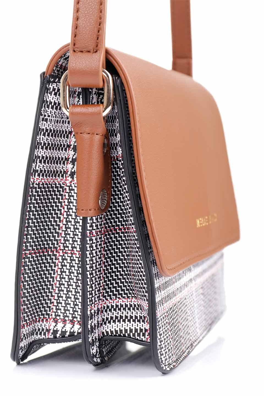 meliebiancoのDesi(Saddle)/海外ファッション好きにオススメのインポートバッグとかばん、MelieBianco(メリービアンコ)のバッグやショルダーバッグ。人気のチェック柄をあしらったコンパクトサイズのショルダーバッグ。レザー部分とチェックのカラーを合わせているのも心憎いポイント。/main-11