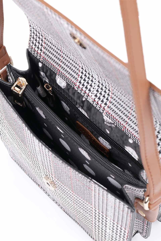 meliebiancoのDesi(Saddle)/海外ファッション好きにオススメのインポートバッグとかばん、MelieBianco(メリービアンコ)のバッグやショルダーバッグ。人気のチェック柄をあしらったコンパクトサイズのショルダーバッグ。レザー部分とチェックのカラーを合わせているのも心憎いポイント。/main-16
