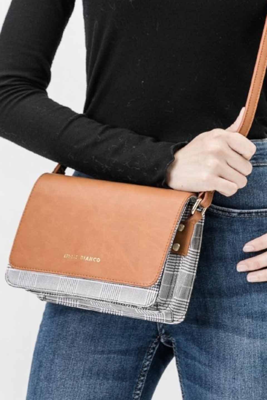 meliebiancoのDesi(Saddle)/海外ファッション好きにオススメのインポートバッグとかばん、MelieBianco(メリービアンコ)のバッグやショルダーバッグ。人気のチェック柄をあしらったコンパクトサイズのショルダーバッグ。レザー部分とチェックのカラーを合わせているのも心憎いポイント。/main-5