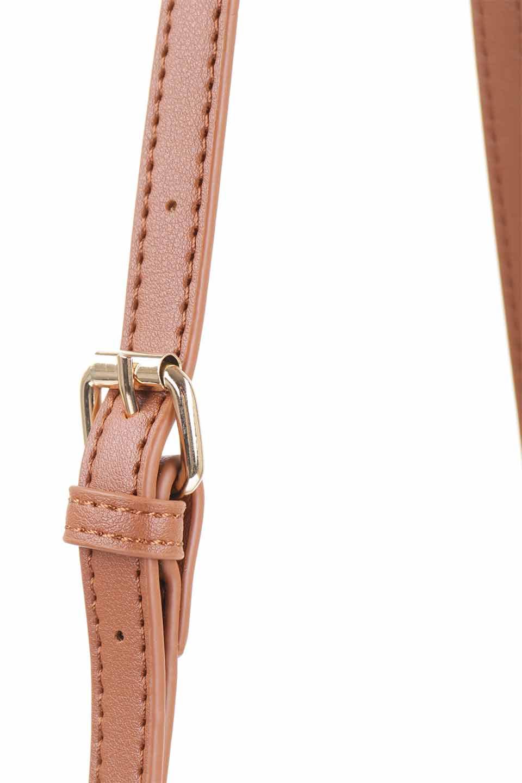 meliebiancoのDesi(Saddle)/海外ファッション好きにオススメのインポートバッグとかばん、MelieBianco(メリービアンコ)のバッグやショルダーバッグ。人気のチェック柄をあしらったコンパクトサイズのショルダーバッグ。レザー部分とチェックのカラーを合わせているのも心憎いポイント。/main-8
