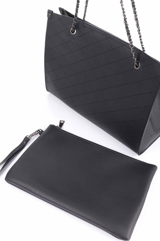 meliebiancoのNova(Black)/海外ファッション好きにオススメのインポートバッグとかばん、MelieBianco(メリービアンコ)のバッグやトートバッグ。メリービアンコのプレミアムビーガンレザーにキルティングのようなステッチを施したボディが可愛いトートバッグ。シンプルなボディにゴールドチェーンの持ち手がアクセントになった大人っぽいバッグです。/main-12