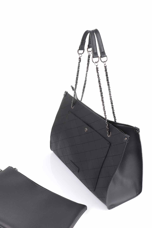 meliebiancoのNova(Black)/海外ファッション好きにオススメのインポートバッグとかばん、MelieBianco(メリービアンコ)のバッグやトートバッグ。メリービアンコのプレミアムビーガンレザーにキルティングのようなステッチを施したボディが可愛いトートバッグ。シンプルなボディにゴールドチェーンの持ち手がアクセントになった大人っぽいバッグです。/main-14