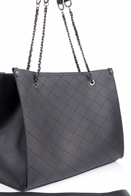 meliebiancoのNova(Black)/海外ファッション好きにオススメのインポートバッグとかばん、MelieBianco(メリービアンコ)のバッグやトートバッグ。メリービアンコのプレミアムビーガンレザーにキルティングのようなステッチを施したボディが可愛いトートバッグ。シンプルなボディにゴールドチェーンの持ち手がアクセントになった大人っぽいバッグです。/main-15