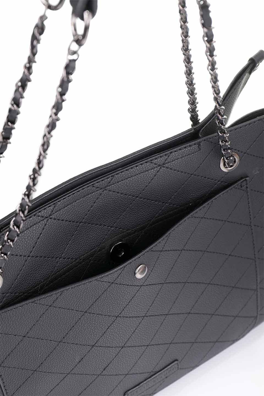 meliebiancoのNova(Black)/海外ファッション好きにオススメのインポートバッグとかばん、MelieBianco(メリービアンコ)のバッグやトートバッグ。メリービアンコのプレミアムビーガンレザーにキルティングのようなステッチを施したボディが可愛いトートバッグ。シンプルなボディにゴールドチェーンの持ち手がアクセントになった大人っぽいバッグです。/main-18