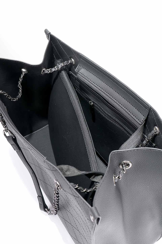 meliebiancoのNova(Black)/海外ファッション好きにオススメのインポートバッグとかばん、MelieBianco(メリービアンコ)のバッグやトートバッグ。メリービアンコのプレミアムビーガンレザーにキルティングのようなステッチを施したボディが可愛いトートバッグ。シンプルなボディにゴールドチェーンの持ち手がアクセントになった大人っぽいバッグです。/main-21