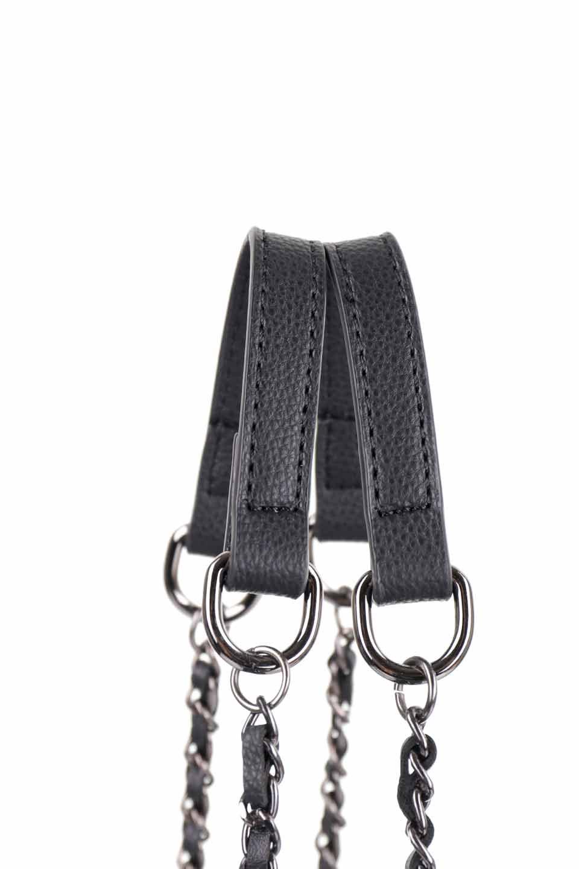 meliebiancoのNova(Black)/海外ファッション好きにオススメのインポートバッグとかばん、MelieBianco(メリービアンコ)のバッグやトートバッグ。メリービアンコのプレミアムビーガンレザーにキルティングのようなステッチを施したボディが可愛いトートバッグ。シンプルなボディにゴールドチェーンの持ち手がアクセントになった大人っぽいバッグです。/main-7