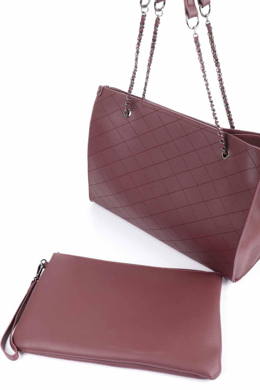 meliebiancoのNova(Burgundy)/海外ファッション好きにオススメのインポートバッグとかばん、MelieBianco(メリービアンコ)のバッグやトートバッグ。メリービアンコのプレミアムビーガンレザーにキルティングのようなステッチを施したボディが可愛いトートバッグ。シンプルなボディにゴールドチェーンの持ち手がアクセントになった大人っぽいバッグです。/main-12