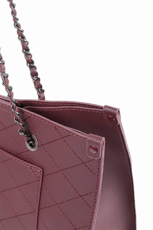 meliebiancoのNova(Burgundy)/海外ファッション好きにオススメのインポートバッグとかばん、MelieBianco(メリービアンコ)のバッグやトートバッグ。メリービアンコのプレミアムビーガンレザーにキルティングのようなステッチを施したボディが可愛いトートバッグ。シンプルなボディにゴールドチェーンの持ち手がアクセントになった大人っぽいバッグです。/main-16