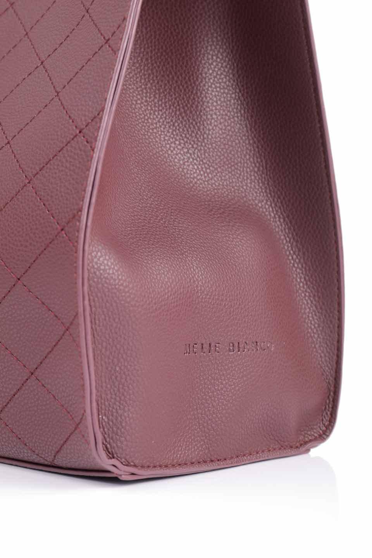 meliebiancoのNova(Burgundy)/海外ファッション好きにオススメのインポートバッグとかばん、MelieBianco(メリービアンコ)のバッグやトートバッグ。メリービアンコのプレミアムビーガンレザーにキルティングのようなステッチを施したボディが可愛いトートバッグ。シンプルなボディにゴールドチェーンの持ち手がアクセントになった大人っぽいバッグです。/main-18