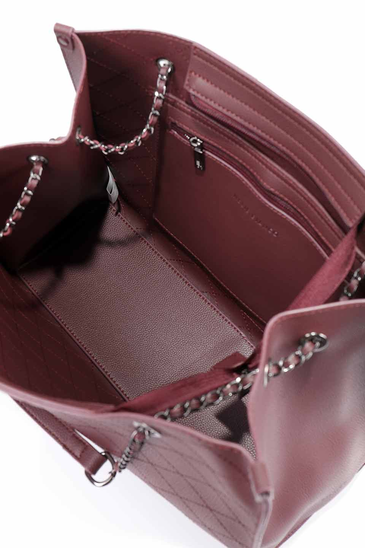 meliebiancoのNova(Burgundy)/海外ファッション好きにオススメのインポートバッグとかばん、MelieBianco(メリービアンコ)のバッグやトートバッグ。メリービアンコのプレミアムビーガンレザーにキルティングのようなステッチを施したボディが可愛いトートバッグ。シンプルなボディにゴールドチェーンの持ち手がアクセントになった大人っぽいバッグです。/main-19