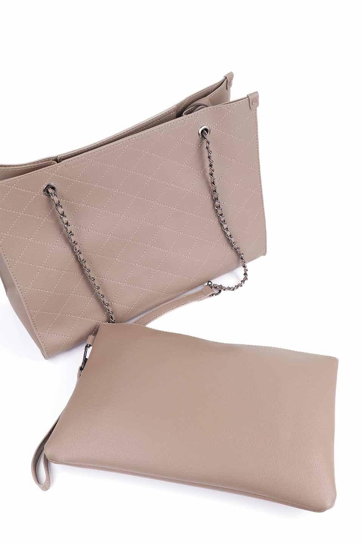 meliebiancoのNova(Taupe)/海外ファッション好きにオススメのインポートバッグとかばん、MelieBianco(メリービアンコ)のバッグやトートバッグ。メリービアンコのプレミアムビーガンレザーにキルティングのようなステッチを施したボディが可愛いトートバッグ。シンプルなボディにゴールドチェーンの持ち手がアクセントになった大人っぽいバッグです。/main-13