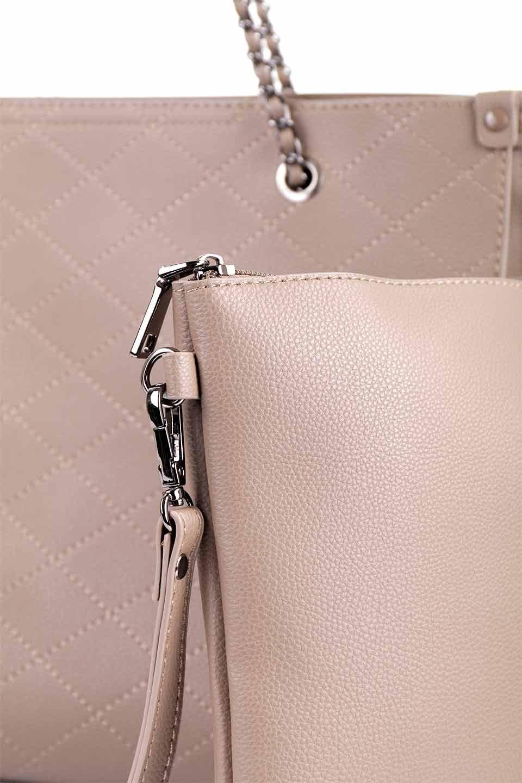 meliebiancoのNova(Taupe)/海外ファッション好きにオススメのインポートバッグとかばん、MelieBianco(メリービアンコ)のバッグやトートバッグ。メリービアンコのプレミアムビーガンレザーにキルティングのようなステッチを施したボディが可愛いトートバッグ。シンプルなボディにゴールドチェーンの持ち手がアクセントになった大人っぽいバッグです。/main-14