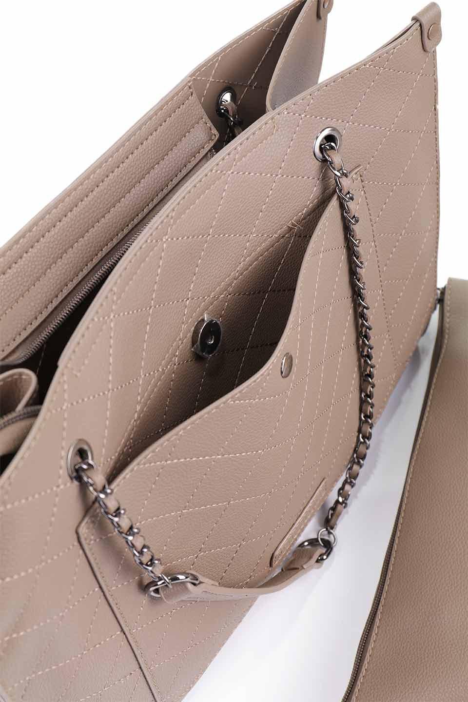 meliebiancoのNova(Taupe)/海外ファッション好きにオススメのインポートバッグとかばん、MelieBianco(メリービアンコ)のバッグやトートバッグ。メリービアンコのプレミアムビーガンレザーにキルティングのようなステッチを施したボディが可愛いトートバッグ。シンプルなボディにゴールドチェーンの持ち手がアクセントになった大人っぽいバッグです。/main-17