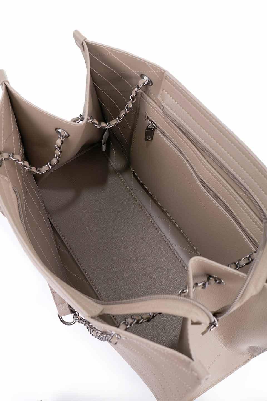 meliebiancoのNova(Taupe)/海外ファッション好きにオススメのインポートバッグとかばん、MelieBianco(メリービアンコ)のバッグやトートバッグ。メリービアンコのプレミアムビーガンレザーにキルティングのようなステッチを施したボディが可愛いトートバッグ。シンプルなボディにゴールドチェーンの持ち手がアクセントになった大人っぽいバッグです。/main-18