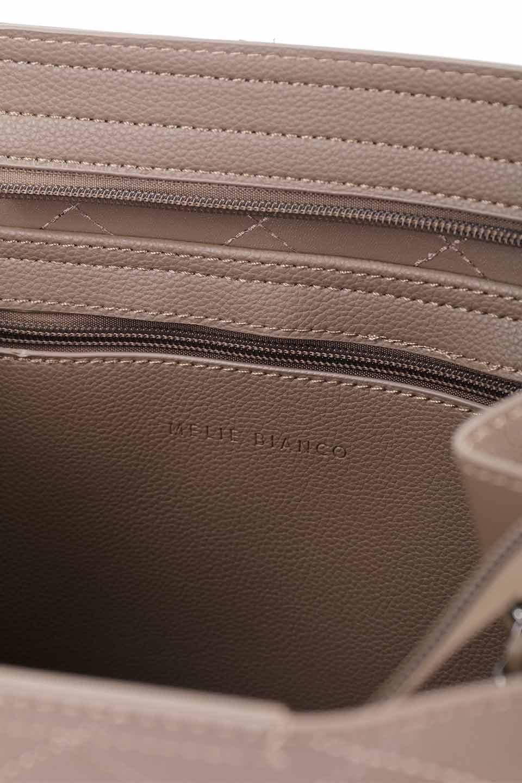 meliebiancoのNova(Taupe)/海外ファッション好きにオススメのインポートバッグとかばん、MelieBianco(メリービアンコ)のバッグやトートバッグ。メリービアンコのプレミアムビーガンレザーにキルティングのようなステッチを施したボディが可愛いトートバッグ。シンプルなボディにゴールドチェーンの持ち手がアクセントになった大人っぽいバッグです。/main-19