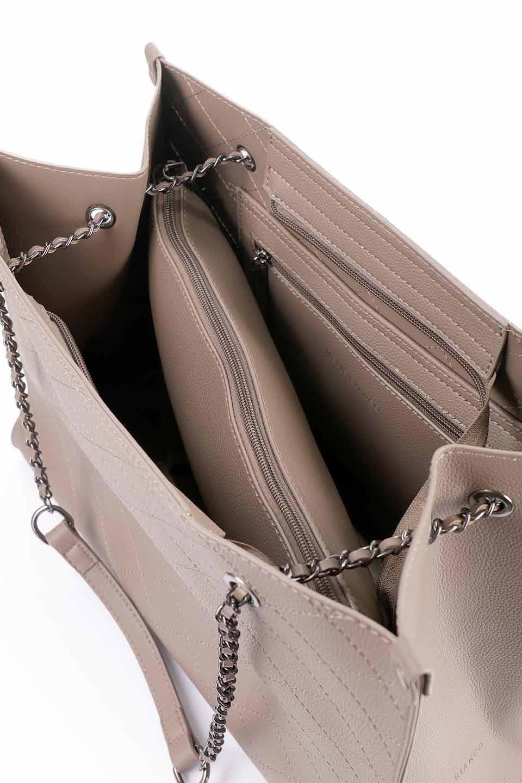 meliebiancoのNova(Taupe)/海外ファッション好きにオススメのインポートバッグとかばん、MelieBianco(メリービアンコ)のバッグやトートバッグ。メリービアンコのプレミアムビーガンレザーにキルティングのようなステッチを施したボディが可愛いトートバッグ。シンプルなボディにゴールドチェーンの持ち手がアクセントになった大人っぽいバッグです。/main-20