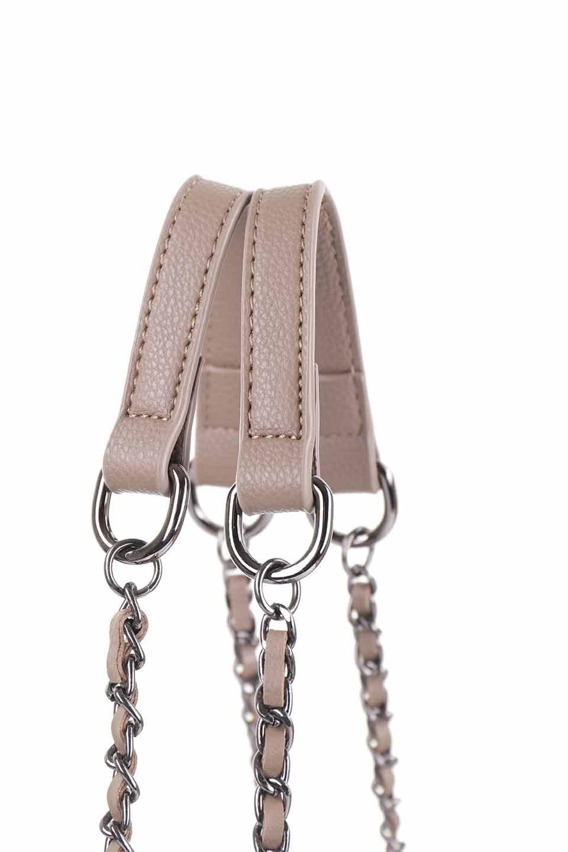 meliebiancoのNova(Taupe)/海外ファッション好きにオススメのインポートバッグとかばん、MelieBianco(メリービアンコ)のバッグやトートバッグ。メリービアンコのプレミアムビーガンレザーにキルティングのようなステッチを施したボディが可愛いトートバッグ。シンプルなボディにゴールドチェーンの持ち手がアクセントになった大人っぽいバッグです。/main-7