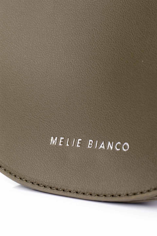 meliebiancoのAly(Olive)/海外ファッション好きにオススメのインポートバッグとかばん、MelieBianco(メリービアンコ)のバッグやショルダーバッグ。シルバーのリングがアクセントのラウンドタイプのショルダーバッグ。ボディと同型のフラップなので、ボディー部分は極めてシンプルなデザインです。/main-10