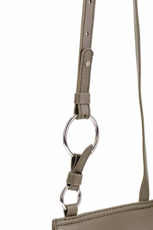 meliebiancoのAly(Olive)/海外ファッション好きにオススメのインポートバッグとかばん、MelieBianco(メリービアンコ)のバッグやショルダーバッグ。シルバーのリングがアクセントのラウンドタイプのショルダーバッグ。ボディと同型のフラップなので、ボディー部分は極めてシンプルなデザインです。/main-9