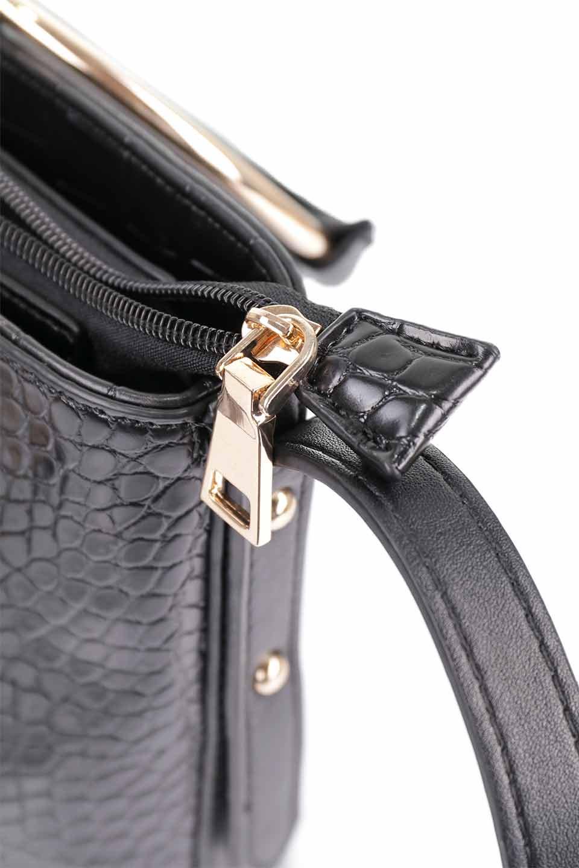 meliebiancoのStella(Black)/海外ファッション好きにオススメのインポートバッグとかばん、MelieBianco(メリービアンコ)のバッグやショルダーバッグ。以前大人気だったバケツ型バッグのステラをクロコダイルの型押しでアップデート。程よい大きさや使い勝手の良さはそのままに上品なカジュアル感がアップしました。/main-18