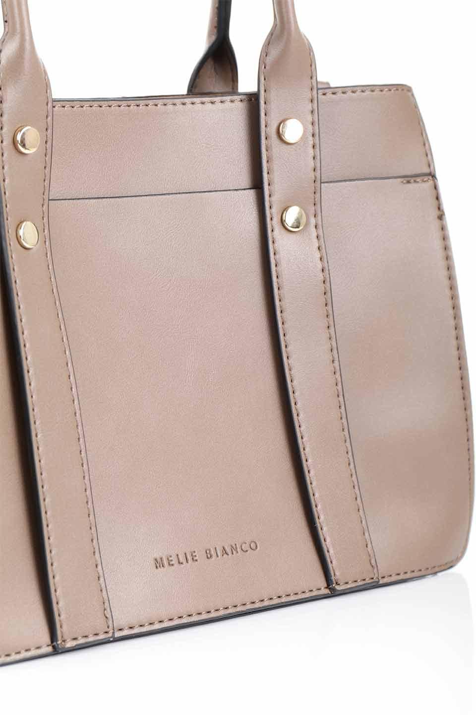 meliebiancoのKhloe(Taupe)/海外ファッション好きにオススメのインポートバッグとかばん、MelieBianco(メリービアンコ)のバッグやハンドバッグ。クラシカルなスタイルの2Wayハンドバッグ。広い荷室を分ける仕切りがファスナー付きのポケットで使いやすい工夫が施されたバッグです。/main-9