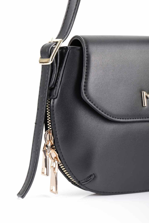 meliebiancoのLyla(Black)/海外ファッション好きにオススメのインポートバッグとかばん、MelieBianco(メリービアンコ)のバッグやショルダーバッグ。ふっくらと丸いシルエットが可愛いショルダーバッグ。ストラップは両サイドの付け根でも長さが調節できるので、お好みの長さに調節できます。/main-8