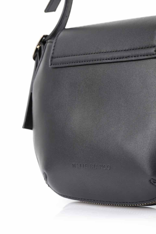 meliebiancoのLyla(Black)/海外ファッション好きにオススメのインポートバッグとかばん、MelieBianco(メリービアンコ)のバッグやショルダーバッグ。ふっくらと丸いシルエットが可愛いショルダーバッグ。ストラップは両サイドの付け根でも長さが調節できるので、お好みの長さに調節できます。/main-9