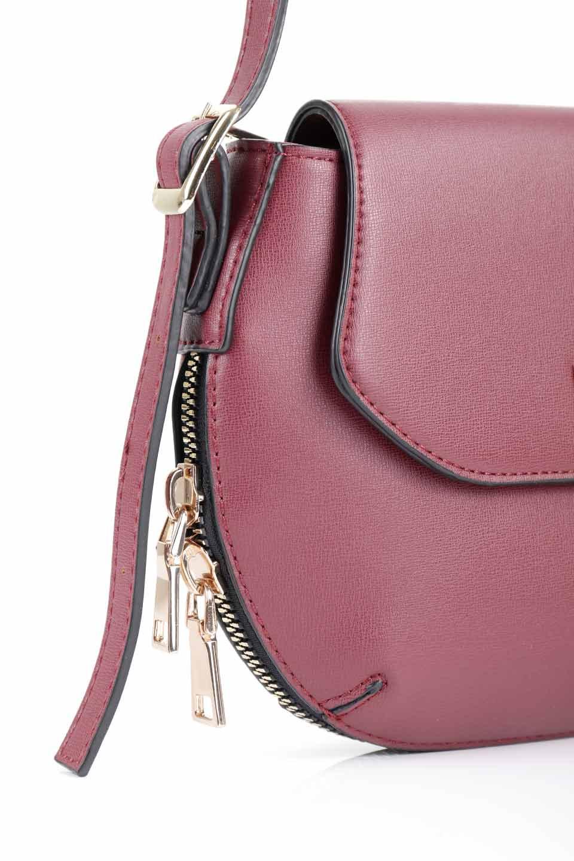 meliebiancoのLyla(Burgundy)/海外ファッション好きにオススメのインポートバッグとかばん、MelieBianco(メリービアンコ)のバッグやショルダーバッグ。ふっくらと丸いシルエットが可愛いショルダーバッグ。ストラップは両サイドの付け根でも長さが調節できるので、お好みの長さに調節できます。/main-10