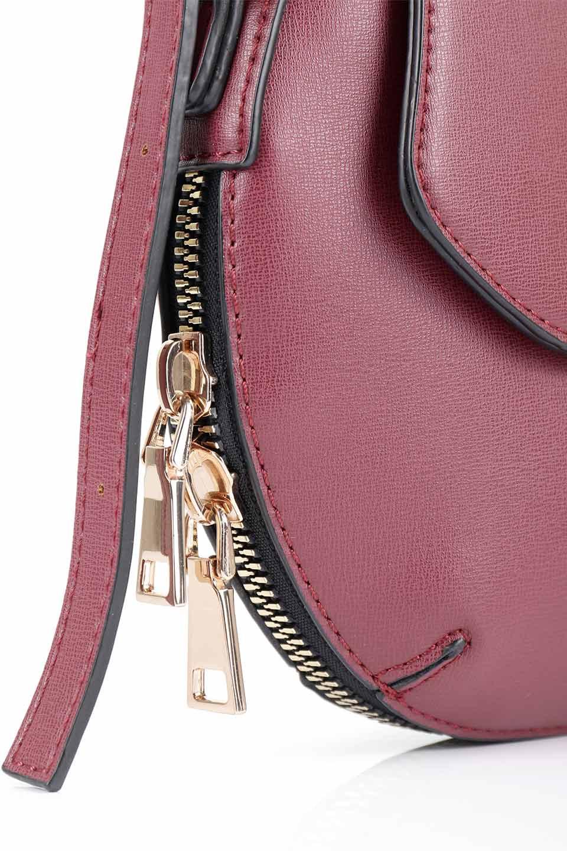 meliebiancoのLyla(Burgundy)/海外ファッション好きにオススメのインポートバッグとかばん、MelieBianco(メリービアンコ)のバッグやショルダーバッグ。ふっくらと丸いシルエットが可愛いショルダーバッグ。ストラップは両サイドの付け根でも長さが調節できるので、お好みの長さに調節できます。/main-11