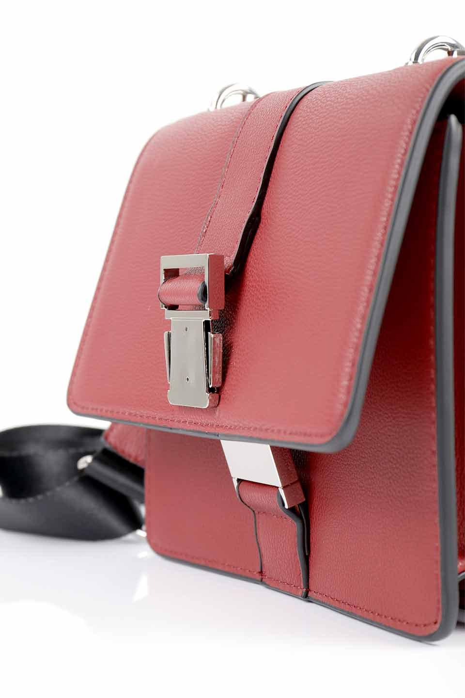 meliebiancoのStalkingGia(Wine)/海外ファッション好きにオススメのインポートバッグとかばん、MelieBianco(メリービアンコ)のバッグやショルダーバッグ。メタルのバックルがアクセントの2Wayショルダーバッグ。付属のストラップを背面に取り付ければウエストバッグとして楽しめます。/main-10
