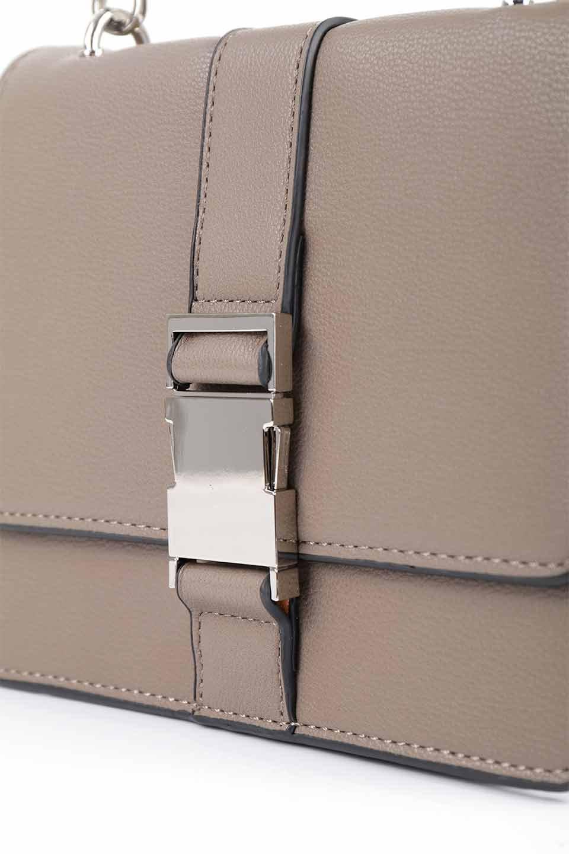 meliebiancoのStalkingGia(Taupe)/海外ファッション好きにオススメのインポートバッグとかばん、MelieBianco(メリービアンコ)のバッグやショルダーバッグ。メタルのバックルがアクセントの2Wayショルダーバッグ。付属のストラップを背面に取り付ければウエストバッグとして楽しめます。/main-12
