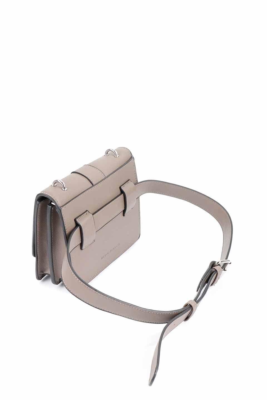 meliebiancoのStalkingGia(Taupe)/海外ファッション好きにオススメのインポートバッグとかばん、MelieBianco(メリービアンコ)のバッグやショルダーバッグ。メタルのバックルがアクセントの2Wayショルダーバッグ。付属のストラップを背面に取り付ければウエストバッグとして楽しめます。/main-19
