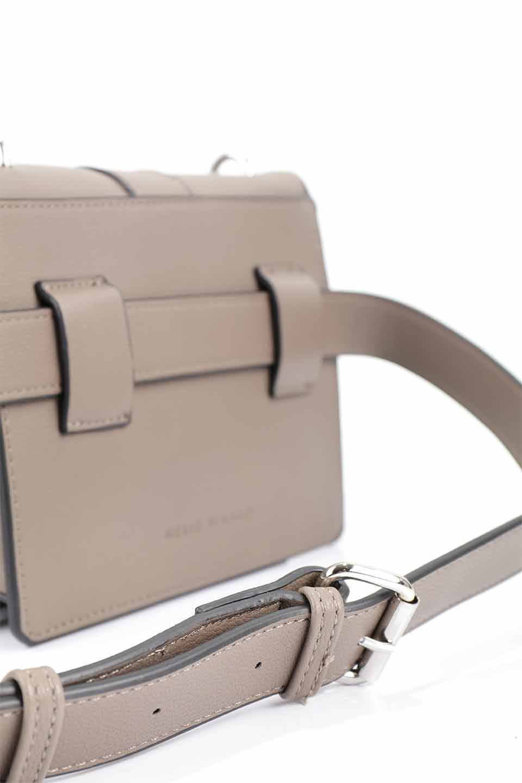 meliebiancoのStalkingGia(Taupe)/海外ファッション好きにオススメのインポートバッグとかばん、MelieBianco(メリービアンコ)のバッグやショルダーバッグ。メタルのバックルがアクセントの2Wayショルダーバッグ。付属のストラップを背面に取り付ければウエストバッグとして楽しめます。/main-20