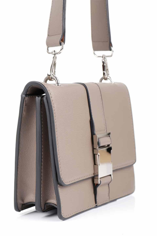 meliebiancoのStalkingGia(Taupe)/海外ファッション好きにオススメのインポートバッグとかばん、MelieBianco(メリービアンコ)のバッグやショルダーバッグ。メタルのバックルがアクセントの2Wayショルダーバッグ。付属のストラップを背面に取り付ければウエストバッグとして楽しめます。/main-9