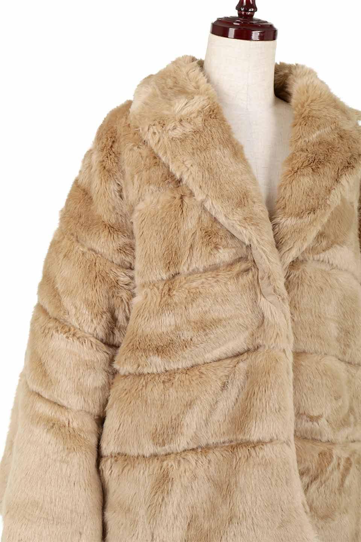 LOVESTITCHのWinnieCoatベルスリーブ・エコファーコート/海外ファッションが好きな大人カジュアルのためのLOVESTITCH(ラブステッチ)のアウターやコート。ルーズなベルスリーブが特徴のエコファーを使用したショートコート。絶妙な着丈の長さと明るめのキャメルカラーでワンランク上のカジュアルコーデが楽しめます。/main-20