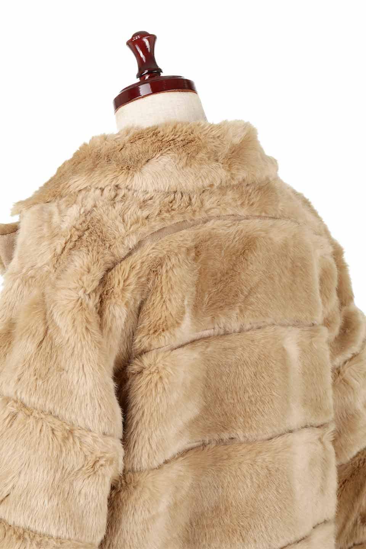 LOVESTITCHのWinnieCoatベルスリーブ・エコファーコート/海外ファッションが好きな大人カジュアルのためのLOVESTITCH(ラブステッチ)のアウターやコート。ルーズなベルスリーブが特徴のエコファーを使用したショートコート。絶妙な着丈の長さと明るめのキャメルカラーでワンランク上のカジュアルコーデが楽しめます。/main-21