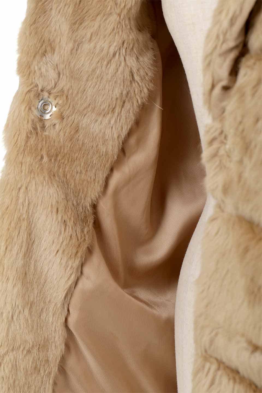 LOVESTITCHのWinnieCoatベルスリーブ・エコファーコート/海外ファッションが好きな大人カジュアルのためのLOVESTITCH(ラブステッチ)のアウターやコート。ルーズなベルスリーブが特徴のエコファーを使用したショートコート。絶妙な着丈の長さと明るめのキャメルカラーでワンランク上のカジュアルコーデが楽しめます。/main-26