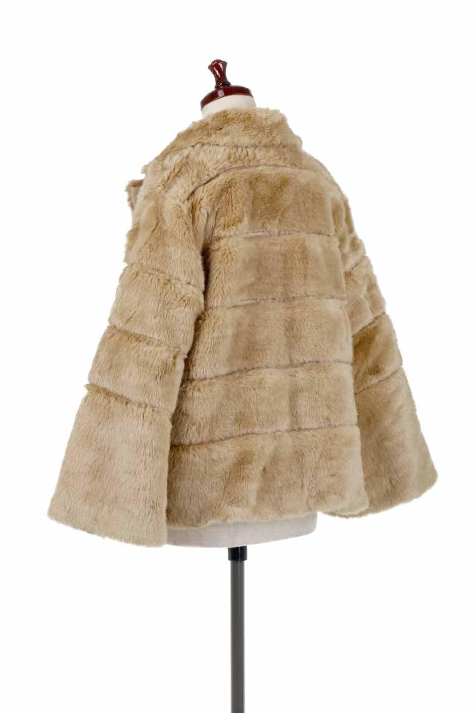 LOVESTITCHのWinnieCoatベルスリーブ・エコファーコート/海外ファッションが好きな大人カジュアルのためのLOVESTITCH(ラブステッチ)のアウターやコート。ルーズなベルスリーブが特徴のエコファーを使用したショートコート。絶妙な着丈の長さと明るめのキャメルカラーでワンランク上のカジュアルコーデが楽しめます。/main-3