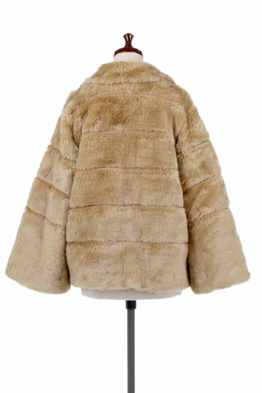 LOVESTITCHのWinnieCoatベルスリーブ・エコファーコート/海外ファッションが好きな大人カジュアルのためのLOVESTITCH(ラブステッチ)のアウターやコート。ルーズなベルスリーブが特徴のエコファーを使用したショートコート。絶妙な着丈の長さと明るめのキャメルカラーでワンランク上のカジュアルコーデが楽しめます。/main-4