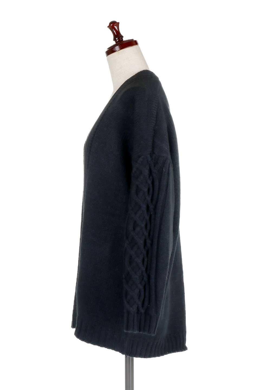 OversizedKnitCardigansオーバーサイズ・バルキーニットカーディガン大人カジュアルに最適な海外ファッションのothers(その他インポートアイテム)のトップスやニット・セーター。たっぷりとしたシルエットが可愛いバルキーニットのカーディガン。大きめのデザインで大人のカジュアルコーデに可愛らしさをプラスします。/main-12