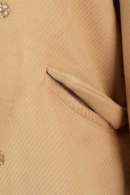 TexturedKnitCollarlessCoatオーバーサイズ・ノーカラーコート大人カジュアルに最適な海外ファッションのothers(その他インポートアイテム)のアウターやコート。シンプルデザインでオーバーサイズのカラーレスコート。タートルネックのニットや、ボリュームのあるスヌードなどを合わせても首元に余裕があるカラーレスタイプ。/main-21