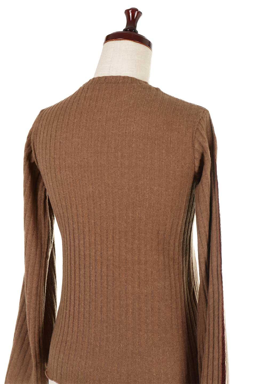 VelvetLinedFlareSleeveKnitTopベロアライン・起毛リブニット大人カジュアルに最適な海外ファッションのothers(その他インポートアイテム)のトップスやニット・セーター。薄っすらと起毛されたリブニットを使用したトップス。スッキリとしたボディにややゆとりのあるフレアスリーブが特徴。/main-23