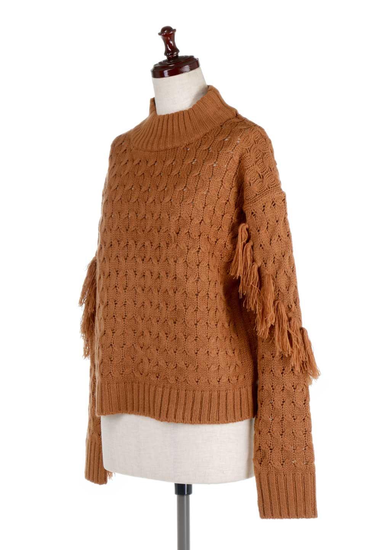 RibbedHighNeckFringeKnitTopハイネック・フリンジセーター大人カジュアルに最適な海外ファッションのothers(その他インポートアイテム)のトップスやニット・セーター。フリンジが飾られた袖が可愛いザックリ編みのケーブルニットセーター。肉厚で大きめリブのハイネックは小顔効果も期待できそうです。/main-11
