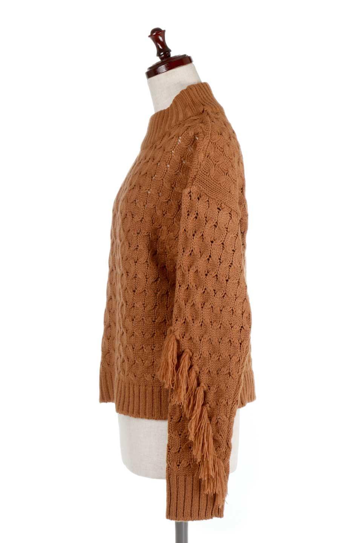 RibbedHighNeckFringeKnitTopハイネック・フリンジセーター大人カジュアルに最適な海外ファッションのothers(その他インポートアイテム)のトップスやニット・セーター。フリンジが飾られた袖が可愛いザックリ編みのケーブルニットセーター。肉厚で大きめリブのハイネックは小顔効果も期待できそうです。/main-12