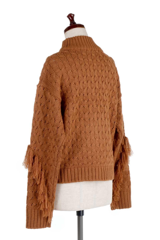 RibbedHighNeckFringeKnitTopハイネック・フリンジセーター大人カジュアルに最適な海外ファッションのothers(その他インポートアイテム)のトップスやニット・セーター。フリンジが飾られた袖が可愛いザックリ編みのケーブルニットセーター。肉厚で大きめリブのハイネックは小顔効果も期待できそうです。/main-13