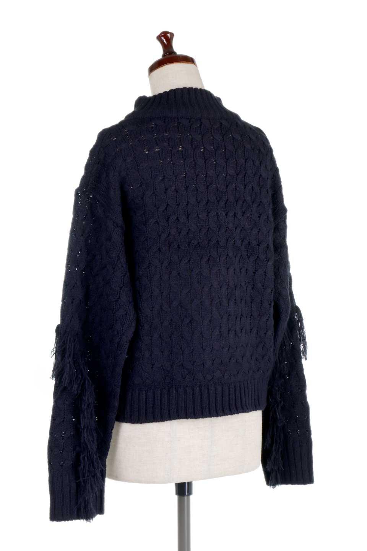 RibbedHighNeckFringeKnitTopハイネック・フリンジセーター大人カジュアルに最適な海外ファッションのothers(その他インポートアイテム)のトップスやニット・セーター。フリンジが飾られた袖が可愛いザックリ編みのケーブルニットセーター。肉厚で大きめリブのハイネックは小顔効果も期待できそうです。/main-18