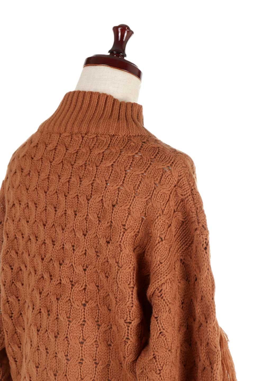 RibbedHighNeckFringeKnitTopハイネック・フリンジセーター大人カジュアルに最適な海外ファッションのothers(その他インポートアイテム)のトップスやニット・セーター。フリンジが飾られた袖が可愛いザックリ編みのケーブルニットセーター。肉厚で大きめリブのハイネックは小顔効果も期待できそうです。/main-24