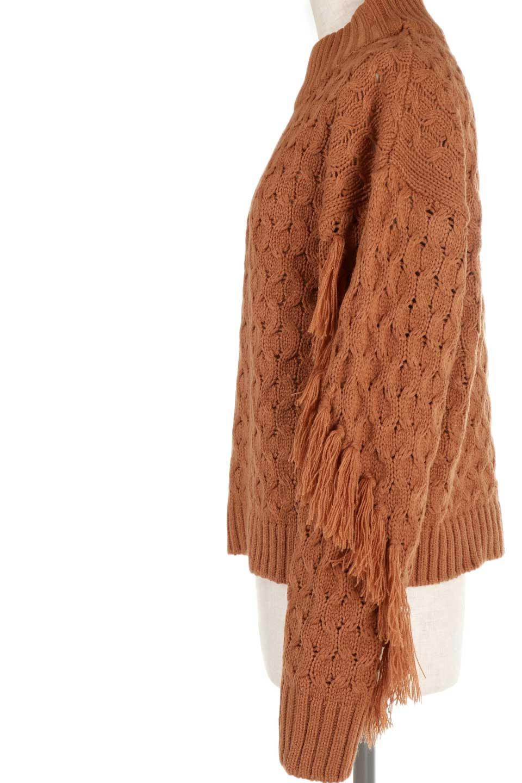 RibbedHighNeckFringeKnitTopハイネック・フリンジセーター大人カジュアルに最適な海外ファッションのothers(その他インポートアイテム)のトップスやニット・セーター。フリンジが飾られた袖が可愛いザックリ編みのケーブルニットセーター。肉厚で大きめリブのハイネックは小顔効果も期待できそうです。/main-27