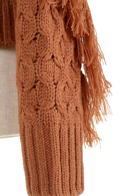 RibbedHighNeckFringeKnitTopハイネック・フリンジセーター大人カジュアルに最適な海外ファッションのothers(その他インポートアイテム)のトップスやニット・セーター。フリンジが飾られた袖が可愛いザックリ編みのケーブルニットセーター。肉厚で大きめリブのハイネックは小顔効果も期待できそうです。/main-28